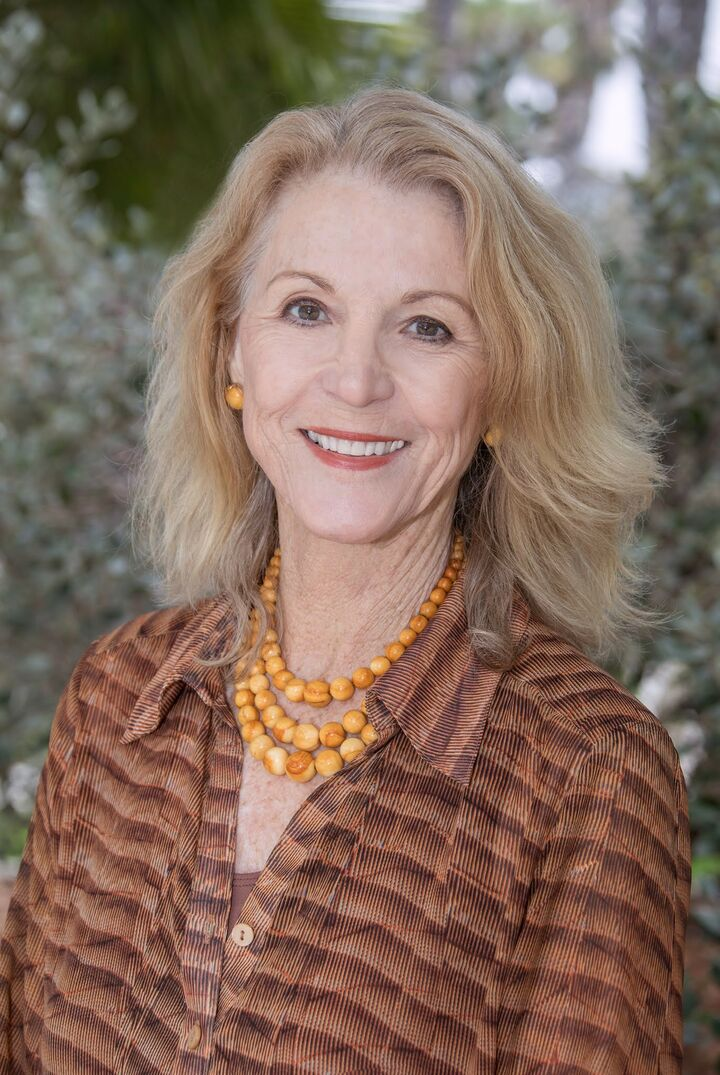Lynda Bohnett, Realtor® in Santa Barbara, Village Properties