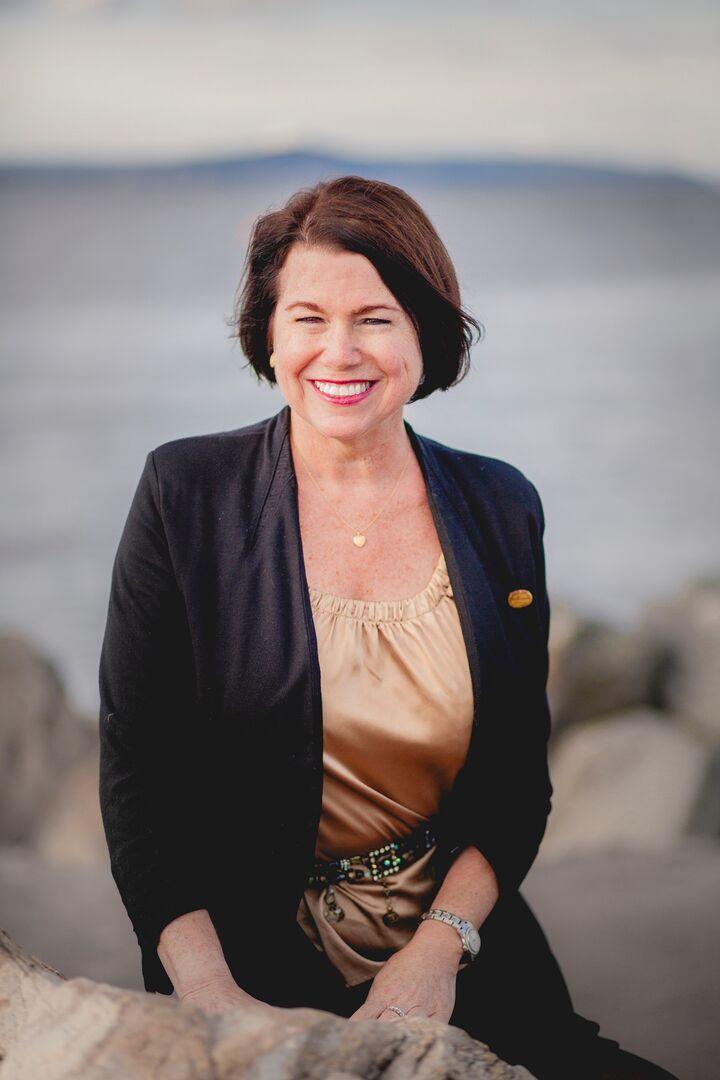 Laurie Barrow, Managing Broker, Realtor in Lynnwood, Windermere