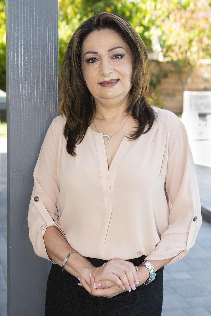 Sharona Zaghi,  in Encino, Pinnacle Estate Properties