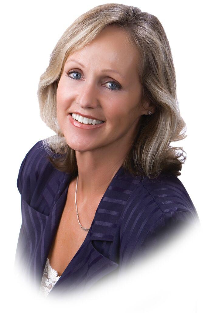 Meg Volk, Realtor in Northridge, Pinnacle Estate Properties