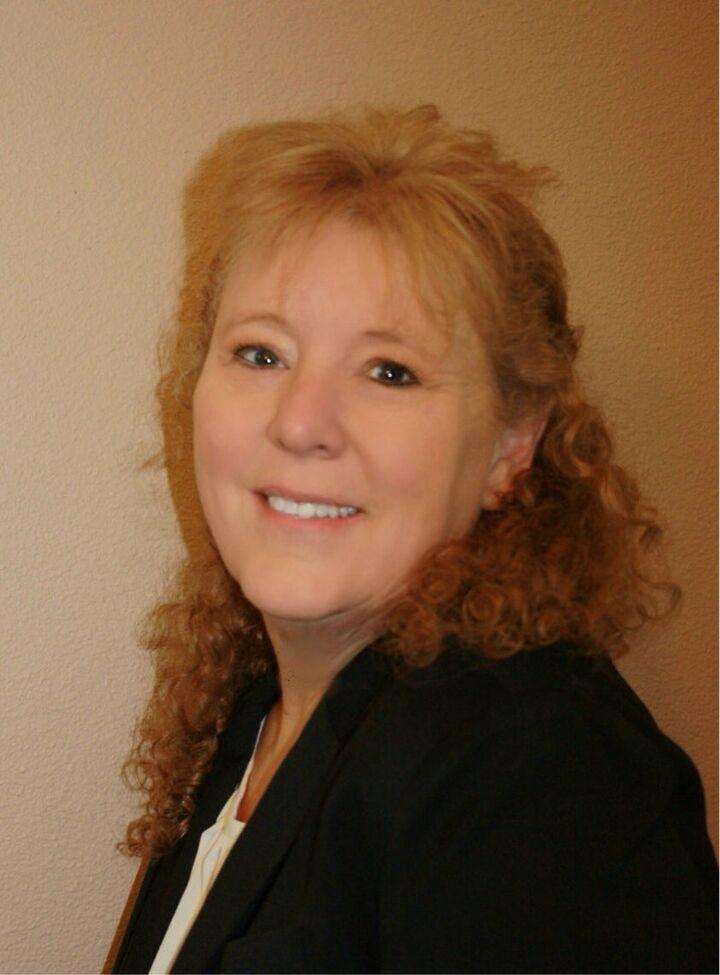 Liz Black, Realtor in Roseville, Better Homes and Gardens Reliance Partners
