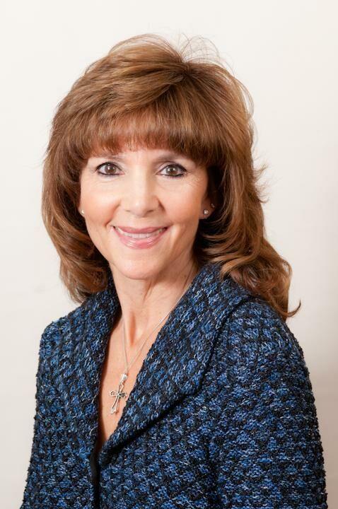 Lisa Rhodes,  in Kirkland, Windermere