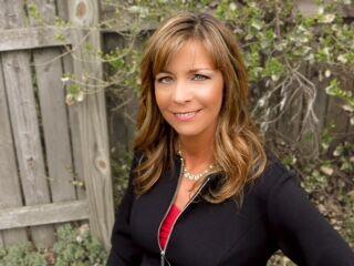 Gayle Vincent, BROKER | REALTOR® in Bloomington, Jim Maloof Realtor
